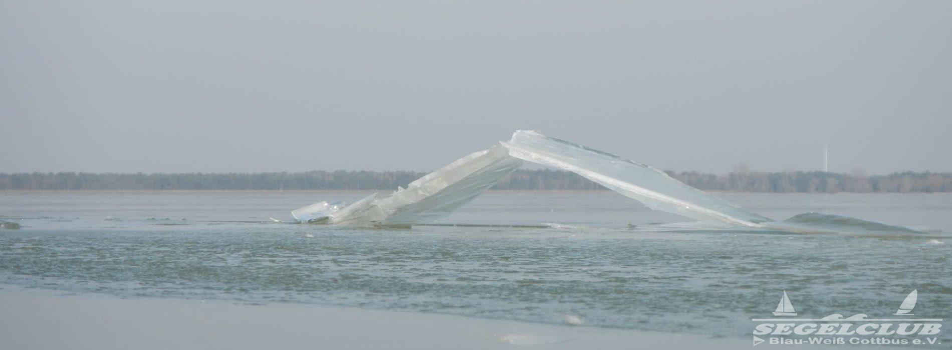 Knackige Kälte lässt den See zu frieren